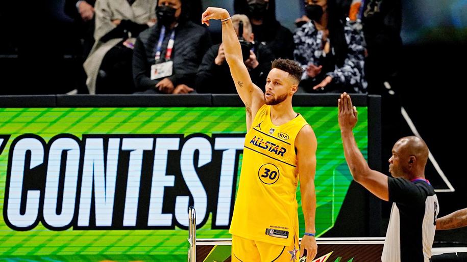 """Thi ném 3 điểm cũng """"clutch"""" như một thói quen, Stephen Curry ẵm cúp 3-Point Contest"""